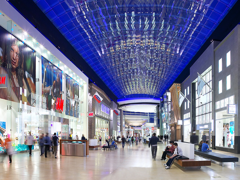 Yorkdale was the first indoor shopping center in Canada to have two-level storefronts.